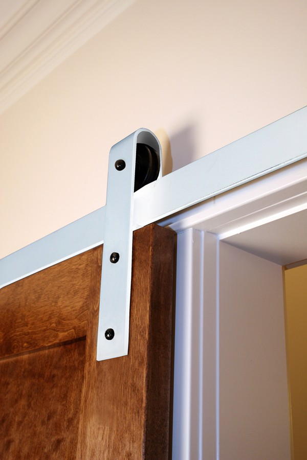 Single Door Flat Track Kit With Traditional Hangers Rw